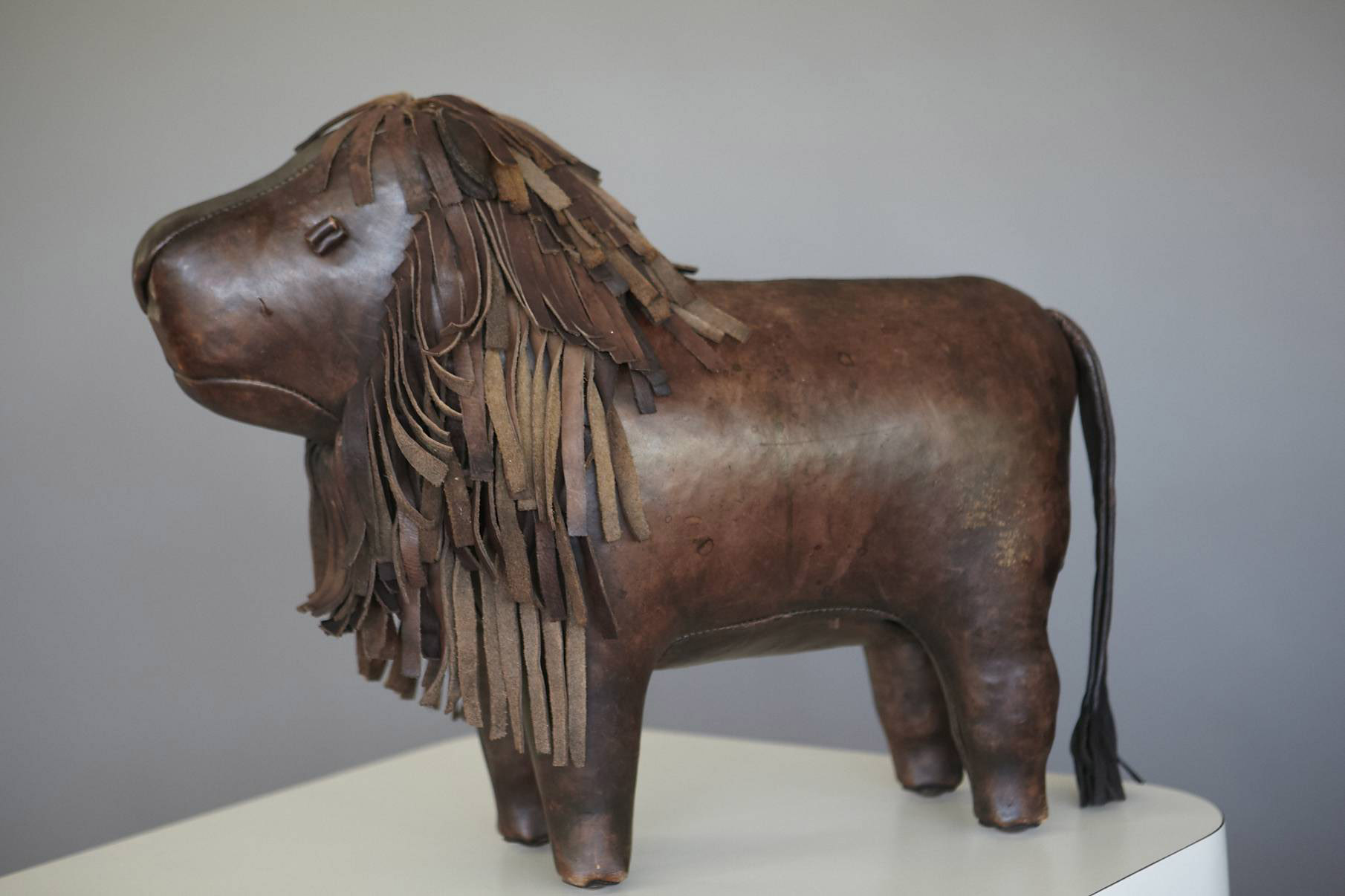 Cool Omersa Leather Lion Foot Stool Jens Buettner Design Antiques Beatyapartments Chair Design Images Beatyapartmentscom